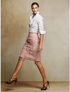 Ruffle Skirt: Perfect work outfit, fashion forward yet refined. Work Fashion, Fashion Outfits, Womens Fashion, Office Fashion, Style Fashion, Fashion Trends, Woman Outfits, College Fashion, 70s Fashion