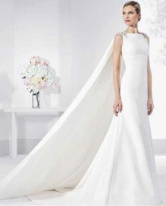 Tendencias de boda 2017: Vestidos de novia con capa [FOTOS] - Vestido de novia con capa clásica