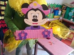 Perchero L Minnie Mouse, Disney Characters, Fictional Characters, Art, Coat Hooks, Wood, Art Background, Kunst, Performing Arts
