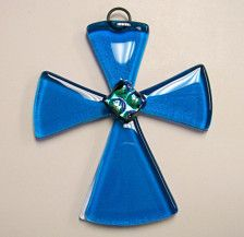 Cross Fused Glass Sun Catcher Turquoise by CDChilds on Etsy Fused Glass Ornaments, Fused Glass Jewelry, Fused Glass Art, Dichroic Glass, Glass Christmas Ornaments, Glass Pendants, Mosaic Glass, Resin Jewelry, Fire Art