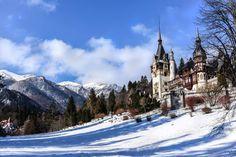 Cele mai frumoase peisaje de iarnă din România Winter Pictures, Winter Scenes, Cathedral, Europe, Seasons, Building, Mai, Travel, Twitter