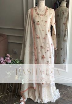 Indian Dresses For Women, Simple Pakistani Dresses, Pakistani Fashion Casual, Stylish Dresses For Girls, Indian Fashion Dresses, Indian Outfits, Pretty Prom Dresses, Wedding Dresses, Embroidery Suits