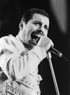 Freddie Mercury Death: 100 Rare Pics Of The Queen Frontman On The Anniversary Of His Death Freddie Mercury Death, Mary Austin Freddie Mercury, John Deacon, Queen Brian May, Roger Taylor, Queen Photos, Somebody To Love, Most Played, Portrait