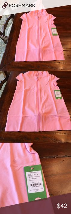 Lily Pulitzer NWT girls hoodie cover up, pink🌸🌸 Adorable beach coverup 96% cotton and  4% spandex. Hood and zipper down front. Also selling in white. Lilly Pulitzer Swim Coverups