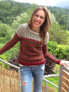 Ravelry: runningsusi's Pattern Play sweater
