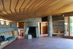 http://www.nytimes.com/2012/10/03/arts/design/frank-lloyd-wright-house-in-phoenix-faces-bulldozers.html