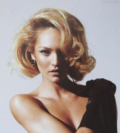 Best ways to style your short bob. Top and unique short bob haircuts for all types of hair texture. Prom Hairstyles For Short Hair, Haircut For Thick Hair, Summer Hairstyles, Short Hair Cuts, Bob Hairstyles, Haircut Short, Big Curls Short Hair, Short Vintage Hairstyles, Vintage Short Hair