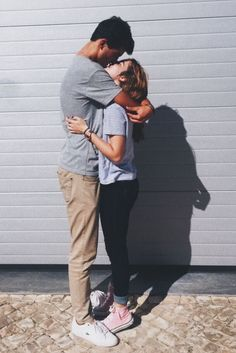 Couple pics, couple fun, cute couple pictures, photo couple, couple goals r Cute Couples Photos, Cute Couple Pictures, Cute Couples Goals, Romantic Couples, Couple Photos, Happy Couples, Short Couples, Couple Fun, Couple Things