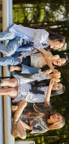 Mamamoo Kpop, Days Like This, Wallpaper, Kpop Girls, Red Velvet, Friendship, Celebrities, Memes, Cute