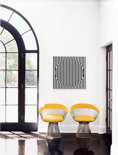 MODERN DECOR | Op Art Interior with Platner chairs | www.bocadolobo.com/ #modernchairs #chairideas