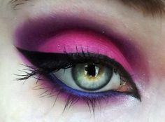 Intense pink/purple and blue inner liner.  Exceptional execution.