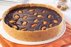 Torta de chocolate y almendras  Para conocer su #receta hacé click en la imagen