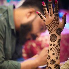 Dulhan Mehndi Designs, Mehndi Designs Finger, Arabic Bridal Mehndi Designs, Mehndi Designs For Kids, Back Hand Mehndi Designs, Mehndi Designs Book, Unique Mehndi Designs, Mehndi Design Images, Beautiful Henna Designs
