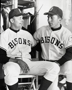 Johnny Bench - Buffalo Bisons We've had many good young players here in Buffalo once upon a time; until they grew up and moved on. Cincinnati Reds Baseball, Baseball Star, Baseball Players, Baseball Cards, Minor League Baseball, Major League, Johnny Bench, Baseball Pictures, American Sports