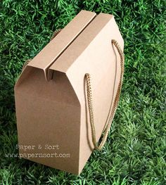 Wholesale - 50 Small Vintage Style Gable Boxes/ Lunch Boxes - Kraft Brown Paper Box/ Bag with String Handles - Party/ Wedding Favor Box/ Bag
