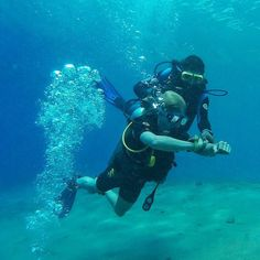 You will appreciate how useful a compass is when you try the underwater navigation.. Sometimes it is deep blue everywhere and all u can tell is which way is up  and thats it  #BJ  #DMSS #scuba #diving #buceo #paditv #divingmedicine #medicine #summer #summerschool #medstudents #doctors #scubadiving #scubapro #medlife #instadive #travel #Dahab #redsea #nature #underwater #corals #reef #marinelife #scuba_liveaboards #nursingstudents #YOLO #studentlife #pharmacist #dentistry by divewithdoctors