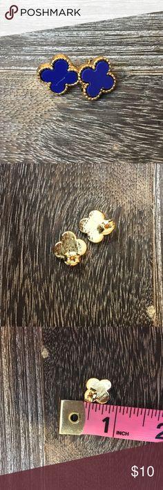 ‼️CLEARANCE‼️Blue & Gold Clover Style Earrings Brand new Jewelry Earrings