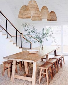 60 Easy Rustic Farmhouse Dining Room Makeover Ideas - Page 3 of 60 - Choti Decor Dining Room Sets, Dining Room Design, Dining Area, Beach Dining Room, Dinning Room Rugs, Rustic Dining Tables, Wood Dinning Room Table, Modern Dining Rooms, Living Room Lamps