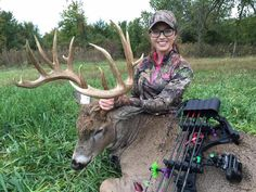 Taylor Drury Receives Over 100 Death Threats After Harvesting Buck - Wide Open Spaces Girls who bow hunt are hotter! Big Game Hunting, Hunting Season, Hunting Gear, Deer Hunting, Hunting Jokes, Hunting Stuff, Hunting Equipment, Bow Hunting Women, Hunting Girls