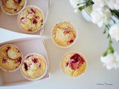 Parhaat Vadelma-Fudge-Muffinit 30 minuutissa, lisää kahdeksan fudgepalaa puolitettuna :)