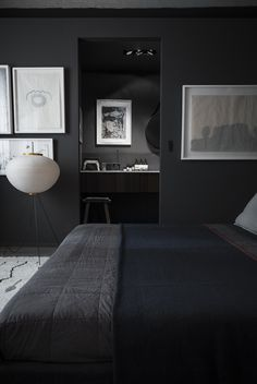 bedroom black walls bedroom for men bedroom for couple Contemporary bedroom luxu. bedroom black walls bedroom for men bedroom for couple Contemporary bedroom luxury bedroom design nighslee bedroom mattress Black Painted Walls, Black Walls, White Walls, Gray Walls, Black Rooms, Bedroom Black, Master Bedroom, Black Beds, Charcoal Bedroom