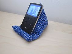 ipod pillow tutorial and pattern, this is the one I used to make mine and
