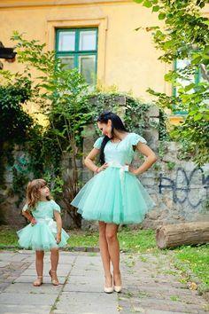 Madre e hija, vestido con tull.