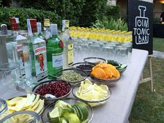 The post Gin Tonic Bar ! appeared first on Hochzeit ideen. Gold Drinks, Bar Drinks, Drinks Trolley, Pimp Your Gin, Havana Nights Party, Gin Tasting, Gin Bar, Gin Lovers, Gin And Tonic
