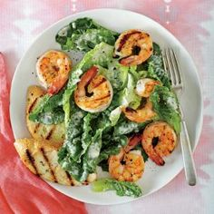 SHRIMP CEASAR SALAD | Quick, easy, and healthy dinner meal that will take 25 minutes or less in prep!