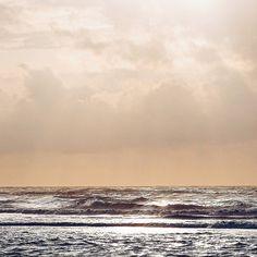 Einen schönen Abend guten Nacht und süße Träume mit diesem #latergram vom Herzensort...  . Good night dear Insta-world... . #myvacationwednesday @mammilade #juist #juisthappy #juist2016 #juistcantgetenough #juistspam #sea #meer #northsea #seaside #coast #nordsee #view #nature #naturelove #instanature #naturelovers #horizon #sunset #sky #skylove #instasky #heaven #sky_perfection #happyplace #finditliveit #littlestoriesofmylife #alittlebeautyevery #thatsdarling