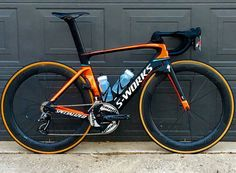 S-Works Venge Vias with Sram Red, CeramicSpeed OSPW and Roval CLX 64 wheels, beautiful bike from - . Paint Bike, Bicycle Painting, Cool Bicycles, Cool Bikes, Specialized Road Bikes, Bici Fixed, Bike Kit, Push Bikes, Bicycle Race