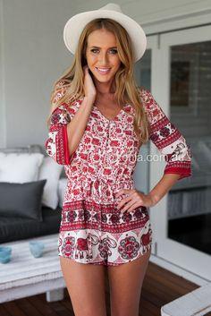 Vanessa Hudgens coachella outfit