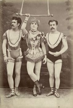 Post with 4322 votes and 206902 views. Tagged with history, cool, awesome, the more you know, disturbing; Well Here Are Some More of the Good Stuff. Please Enjoy Another Group of Oddly Disturbing Pictures From History. Cabaret, Old Circus, Night Circus, Vintage Pictures, Vintage Images, Vintage Circus Costume, Vintage Circus Performers, Cirque Vintage, Circus Acrobat
