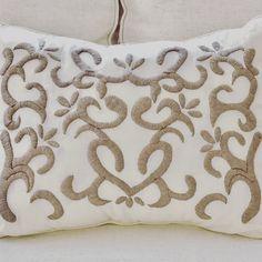@mariana.bordados - bordado a mano con lana Embroidery Applique, Embroidery Patterns, Diy Pillows, Throw Pillows, Crochet Rug Patterns, Cutwork, Rug Hooking, Needlepoint, Needlework