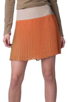 f929a59e7b WHOS WHO Mini Skater Skirt Size IT 42 / S Pleated Made in Italy #fashion
