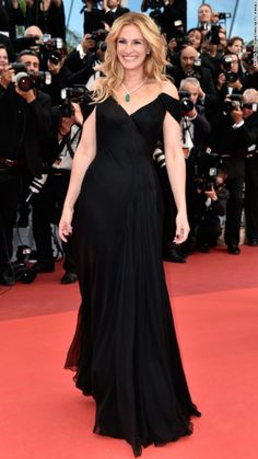Luxe Red Carpet | Cannes Film Festival 2016 | Julia Roberts in black off-the-shoulder Armani Prive gown | The Luxe Lookbook