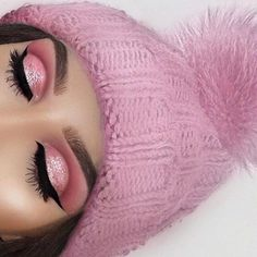 Beautiful look @swetlanapetuhova Using the Modern Renaissance Palette with glitter #anastasiabeverlyhills #modernrenaissance