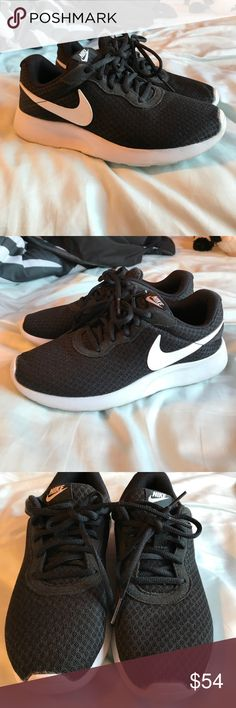 Nike sneakers Nike sneakers size 7, worn a couple of times, in great condition Nike Shoes Athletic Shoes