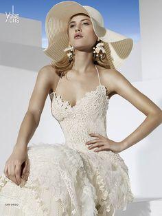 YolanCris appears in the last issue of Sposabella Magazine with San Diego bridal gown of Boho Girl line by YolanCris #YolanCris #weddingdress #Sposabella #brides #BohoGirl #SanDiego #lace #Colorado #USA #hautecouture #bridaleditorial