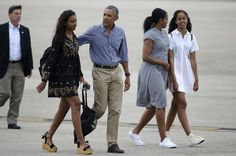 #WelcomeHome #President Of The United States 🇺🇸 #BarackObama #FirstLady Of The United States 🇺🇸 #MichelleObama #FirstDaughters Malia & Sasha Obama Of The United States #August21st #2016 #Vacation #MarthasVineyard