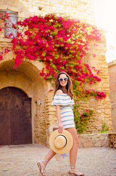 Cómo combinar un top de rayas con los hombros descubiertos en tu look de verano: Martabarcelonastyle blog