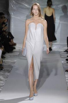 Tendências Semana de Moda de Paris – Primavera/Verão 2013: Dia 04 http://www.modalogia.com/2012/09/30/tendencias-semana-de-moda-de-paris-primaveraverao-2013-dia-04/