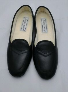 Daniel Green Women's Meg Slipper Shoes black, size 6.5 N