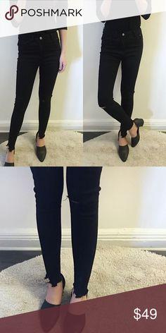 🆕 Black distressed skinny jeans Brand new. Super skinny black jeans Jeans Skinny