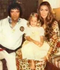 Lisa Marie Presley with Linda Thompson