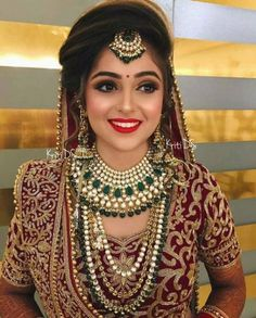 Super indian bridal look make up Ideas Indian Bridal Hairstyles, Indian Bridal Outfits, Indian Bridal Makeup, Indian Bridal Fashion, Indian Wedding Bride, Indian Wedding Jewelry, Indian Jewelry, Wedding Veils, Wedding Hair