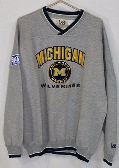 Michigan Wolverines Big Ten Mens Grey Embroidered Long Sleeve Sweatshirt Large L…