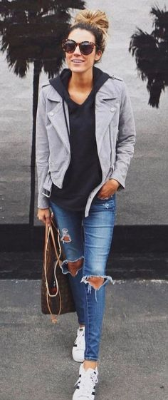 Stunning Women Casual Outfit Ideas For Spring 28