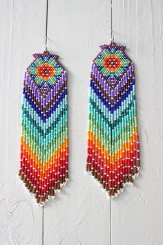 beaded earrings making Aztec Earrings, Beaded Earrings Patterns, Beading Patterns, Bracelet Patterns, Embroidery Patterns, Native Beadwork, Native American Beadwork, Seed Bead Jewelry, Seed Bead Earrings