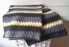 Crochet baby blanket pattern Larksfoot by BlageCrochetDesign